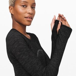 lululemon athletica Tops - Lululemon swiftly wool pullover s10 black/white